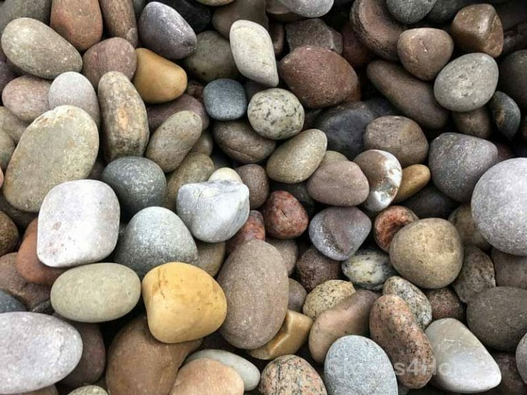 Stones4Homes Scottish Cobbles 30-50mm - Wet