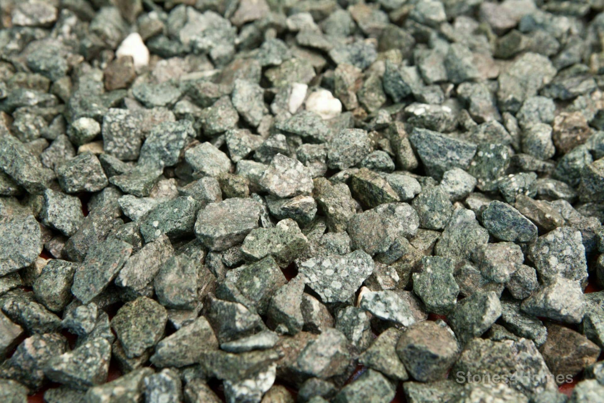 Green Granite Stone : Green granite chippings gravel stones homes