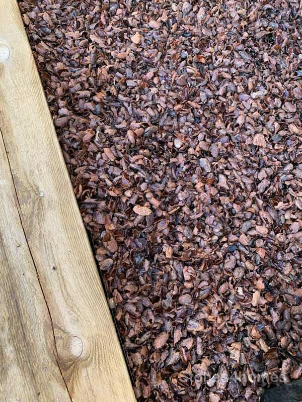 Stones4Homes cocoa shell mulch - wet